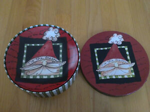 Brand new in box holiday theme set of 4 dessert plates London Ontario image 4
