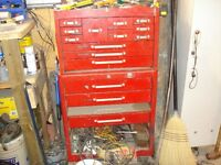 BEACH TOOL BOXES WITH SNAPON AND GRAY TOOLS