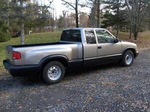 1998 GMC SLS Sonoma Sport Pickup Truck Gatineau Ottawa / Gatineau Area image 8