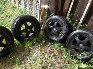 185/70R14 Federal Himalaya WS2 Winter Tires x4 on rims VW Jetta