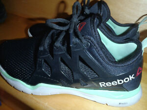 REEBOK SNEAKERS/JUST LIKE NEW