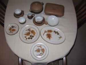Denby Cotswold stoneware dinnerware