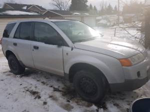 2005 * SATURN VUE LOW KM AND MINT!!