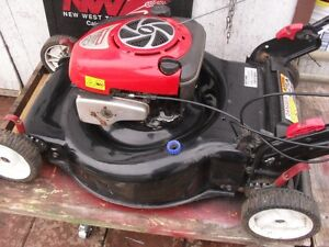 "22"" CRAFTSMAN self propell 3 n 1 w/ catcher"