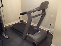 Reebok ACD4 Folding Treadmill - FREE CITY-WIDE DELIVERY INCLUDED