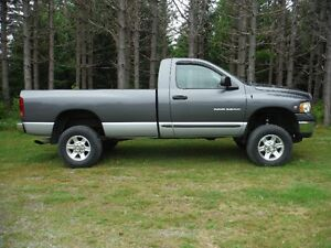 2003 Dodge Power Ram 2500 SLT Pickup Truck