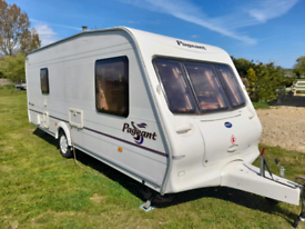 2004 BAILEY PAGEANT VENDEE L SHAPE LOUNGE READY TO GO CAMPING BARGIAN