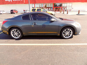 2010 Nissan Altima 3.5 SR Coupe (2 door)