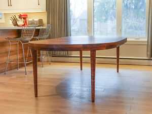 Beautiful Large Round Rosewood Extendable Dining Table /not teak