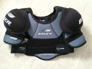 Bauer Supreme 1000 Shoulder Pad.  New with tags