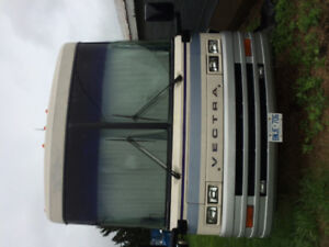 32 FOOT WINNEBAGO VECTRA