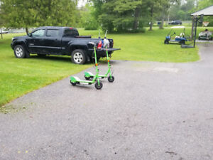 Razor E200 Electric Scooters Barely Used stand up offering both