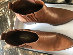 Nine West Shoes in Excellant condition , Size 8 , Orignal Box