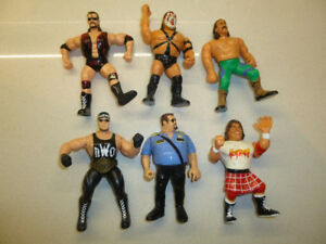 WWE/WWF 4inch Figures and accessories - NM