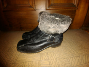 Ladies boots size 9 1/2