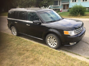2009 FORD FLEX SEL AWD Low Mileage Great Condition!