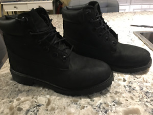 SOLD PENDING PICK-UP Timberlands - Men's, brand new condition