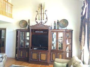Magnussen 5 piece entertainment set in great condition  Windsor Region Ontario image 1