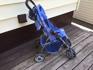Cosco lightweight Stroller London Ontario image 3