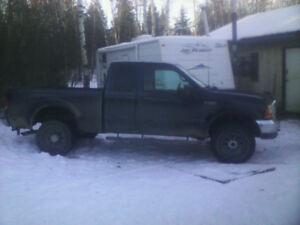 1999 Ford F-250 7.3L turbo diesel runs and drives excellent
