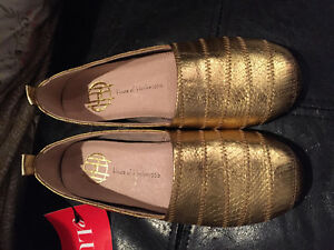 BRAND NEW WITH TAGS•House of Harlow-Kail Leather Flats Gold• Siz London Ontario image 1