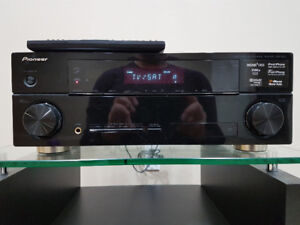 Pioneer VSX-820-K 5.1 channel 3-D ready A/V receiver