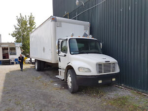 2005 Freightliner M2 Class (Perfect Condition)