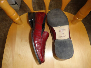 Leather Burgundy Shoes by Naturalizer - Size 7