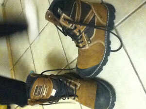 1 pair men's work boots mint condition 60.00
