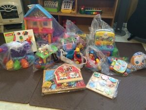 Bilingual toys in perfect condition  Cornwall Ontario image 1