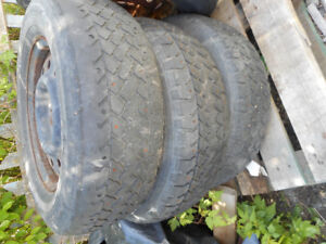 3 STUDDED TIRES P215/70R15 on rims 40 for 3