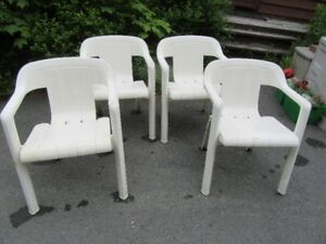 PLASTIC DECK CHAIRS - REDUCED!!