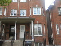 STUNNING ST.CLAIR/CALEDONIA SEMI-DETACHED 4-BR HOUSE FOR LET