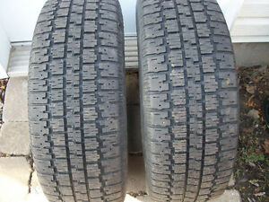 2 pneus d hiver BF Goodrich  205 65 15,,  75 $,,,514 571 6904