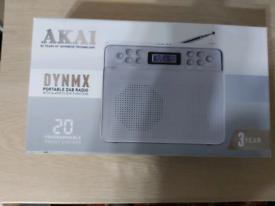 Akai dynmx portable dab radio with alarm clock
