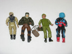 4 DIFFERENT OLDER GI JOE ACTION TOY FIGURES WITH PAIR OF DOG TAG
