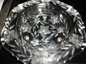 REDUCED Large Crystal Flowered Design Etched Fruit Bowl and More Sarnia Sarnia Area image 1