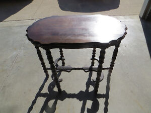 Antique side table Windsor Region Ontario image 1