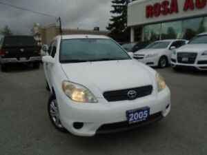 2005 Toyota Matrix 4WD NO ACCIDENTS LOCAL ONTARIO FOLDING SEATS