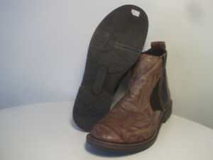 BOOTS- NEW, LEATHER, ORiGiNAL NAOT (made in Israel) Size 40