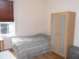 Unbelievable !!! Macklin St, All Bills ..1 Bed Self-Contained Flat, City Centre, on street parking