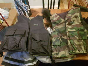 2 reversable paintball/airsoft vests