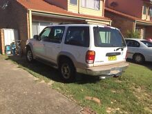 1999 Ford Explorer Wagon Marks Point Lake Macquarie Area Preview