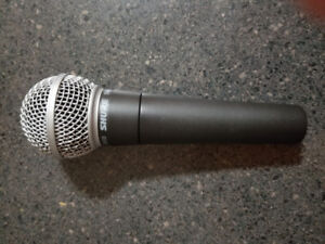 SHURE SM58 MICROPHONE IN MINT CONDITION