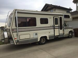 1986 Ford 23 Foot TravelAire Motorhome