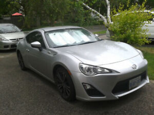 2013 Scion FR-S, Manual transmission, 74 000 km ( 46 000 miles)