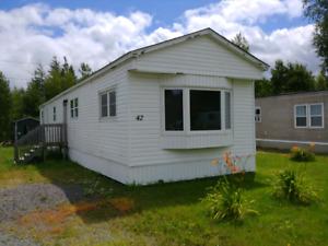 2 bedroom mini home in hanwell trailer park