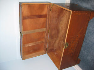 "Antique Camphor Wood Asian Chest 41"" x 21"" x 23"" Kitchener / Waterloo Kitchener Area image 4"