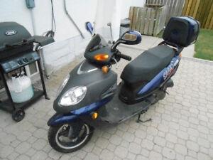 2008 Saga Spectra Scooter