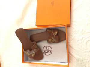 Hermes flip flops